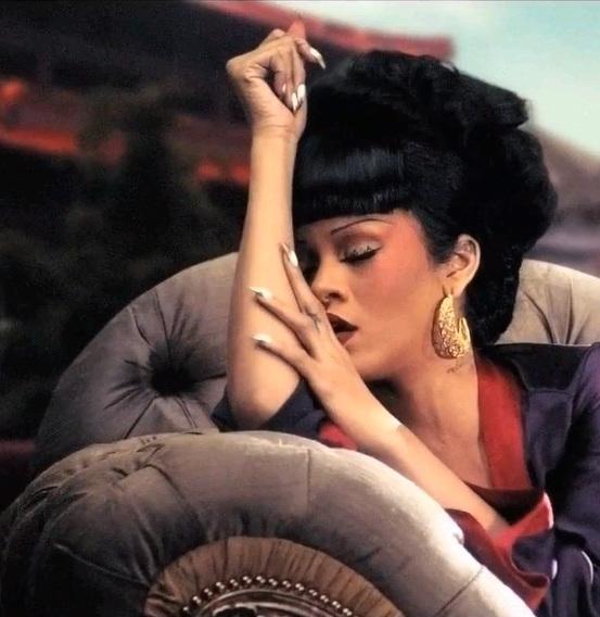 WESTERN POP MUSIC MAKES EYES ON CHINA